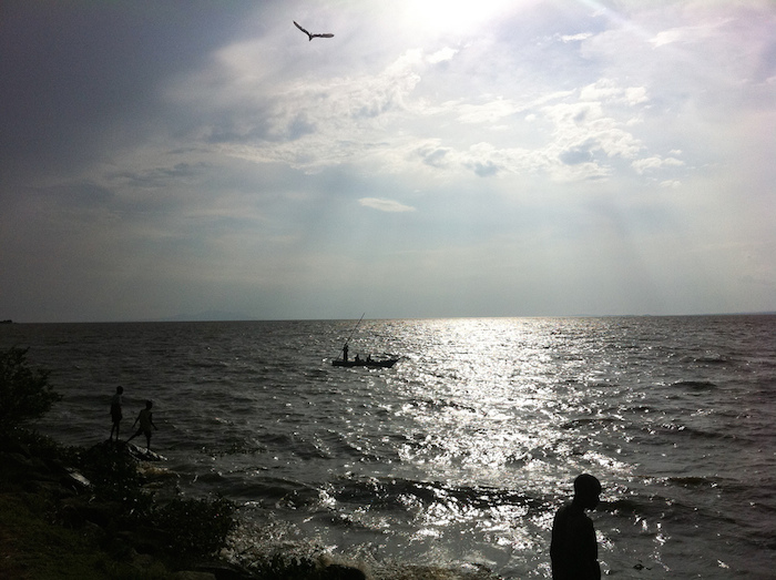 People along the shore of Lake Victoria