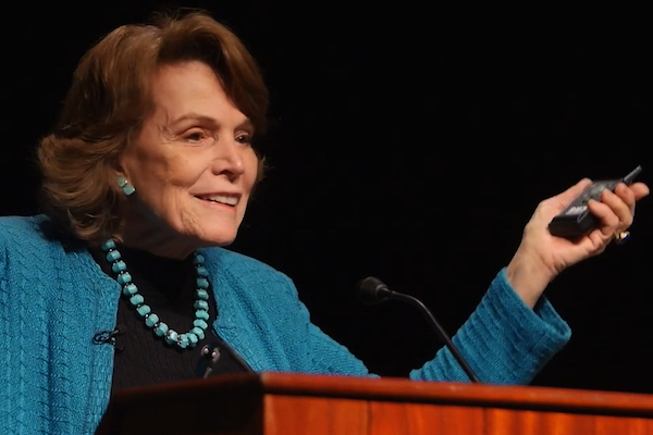 How can zoos and aquariums foster cultures of care and conservation? - Sylvia Earle